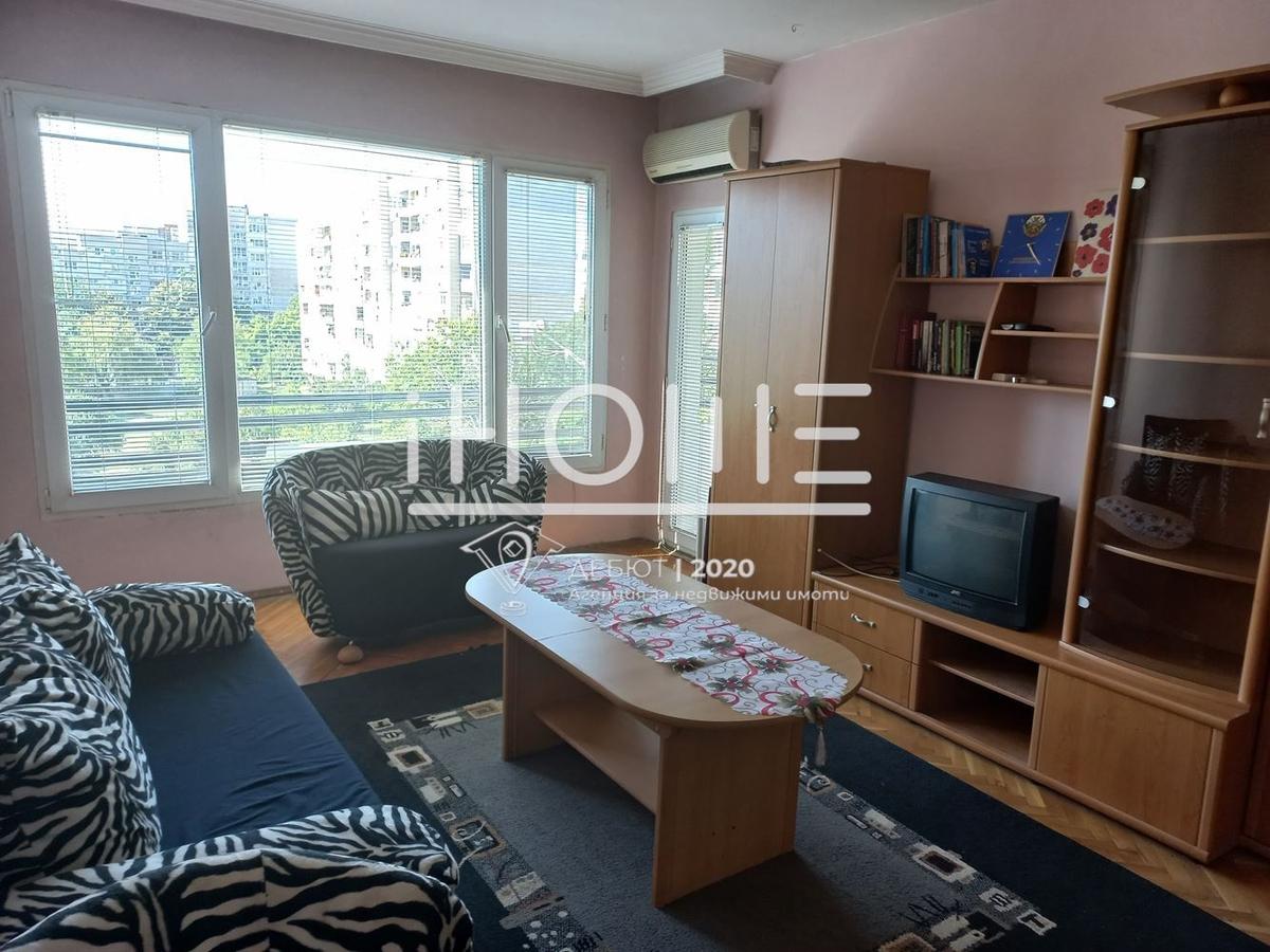 Просторен тристаен апартамент в  ж.к Люлин 10